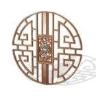 Runda snidade kinesiska träfönster