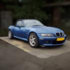 سيارة زرقاء بي ام دبليو Z3