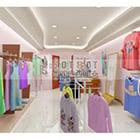 Interno dello showroom di abbigliamento