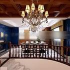 Klassisen ruokasalin huonekalut