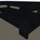 طاولة خشبية سوداء